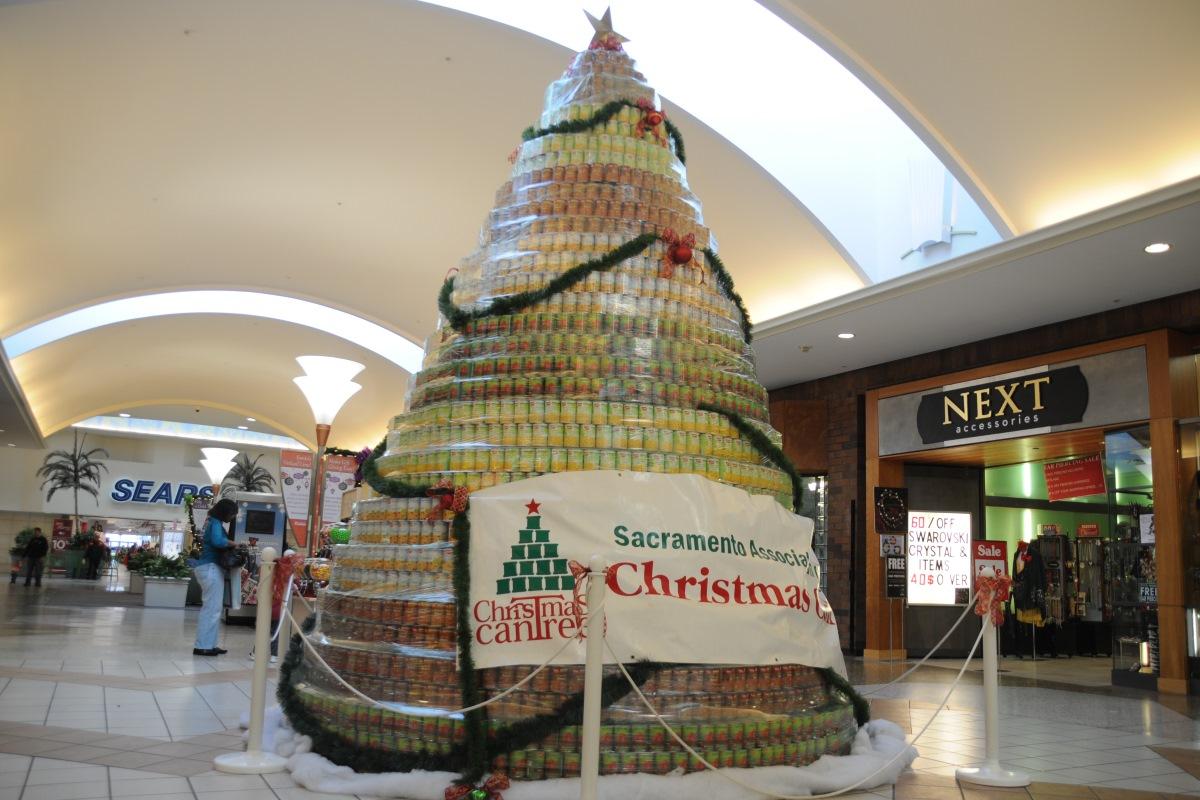 christmas cantree sunrise mall photo credit luke otterstad